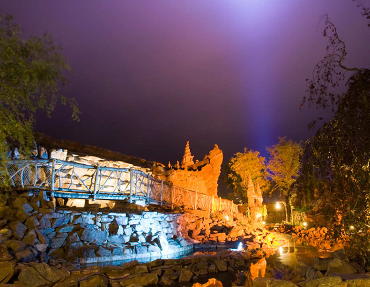 The outside lighting of the Magical Valley area at Toverland
