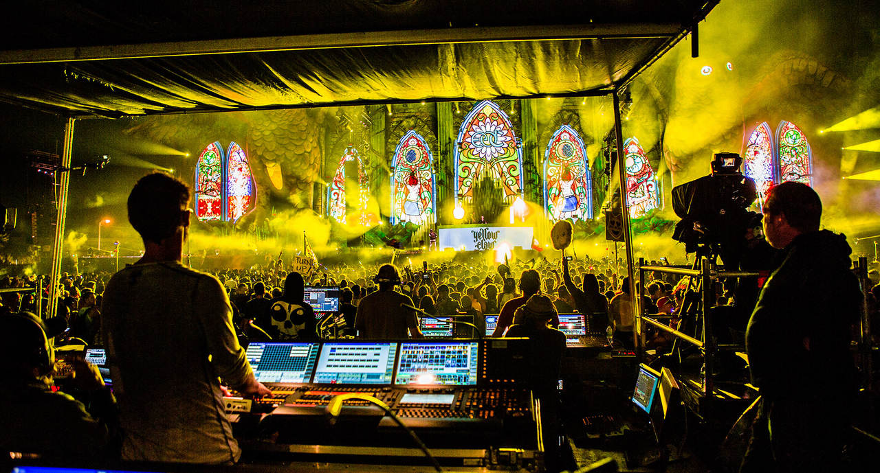 The show control of the Kinetic Stage at EDC 2014