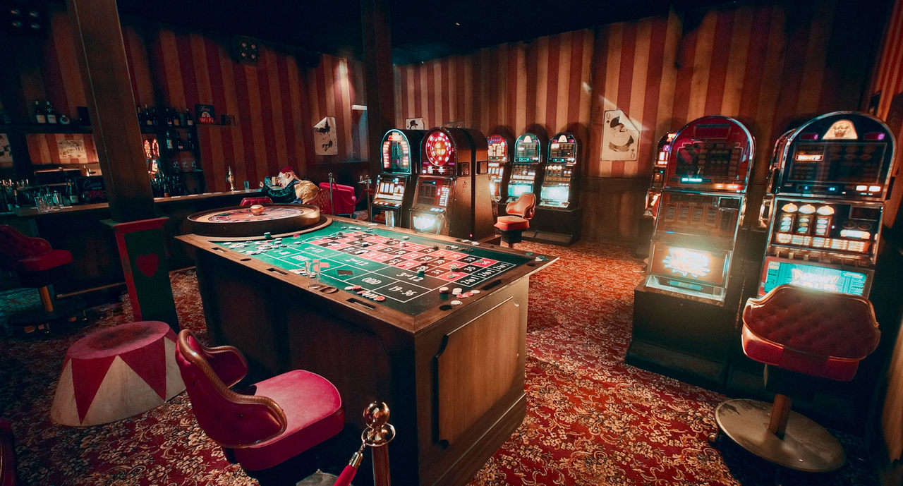The casino at Big Shoe Casino haunted house in Europa Park