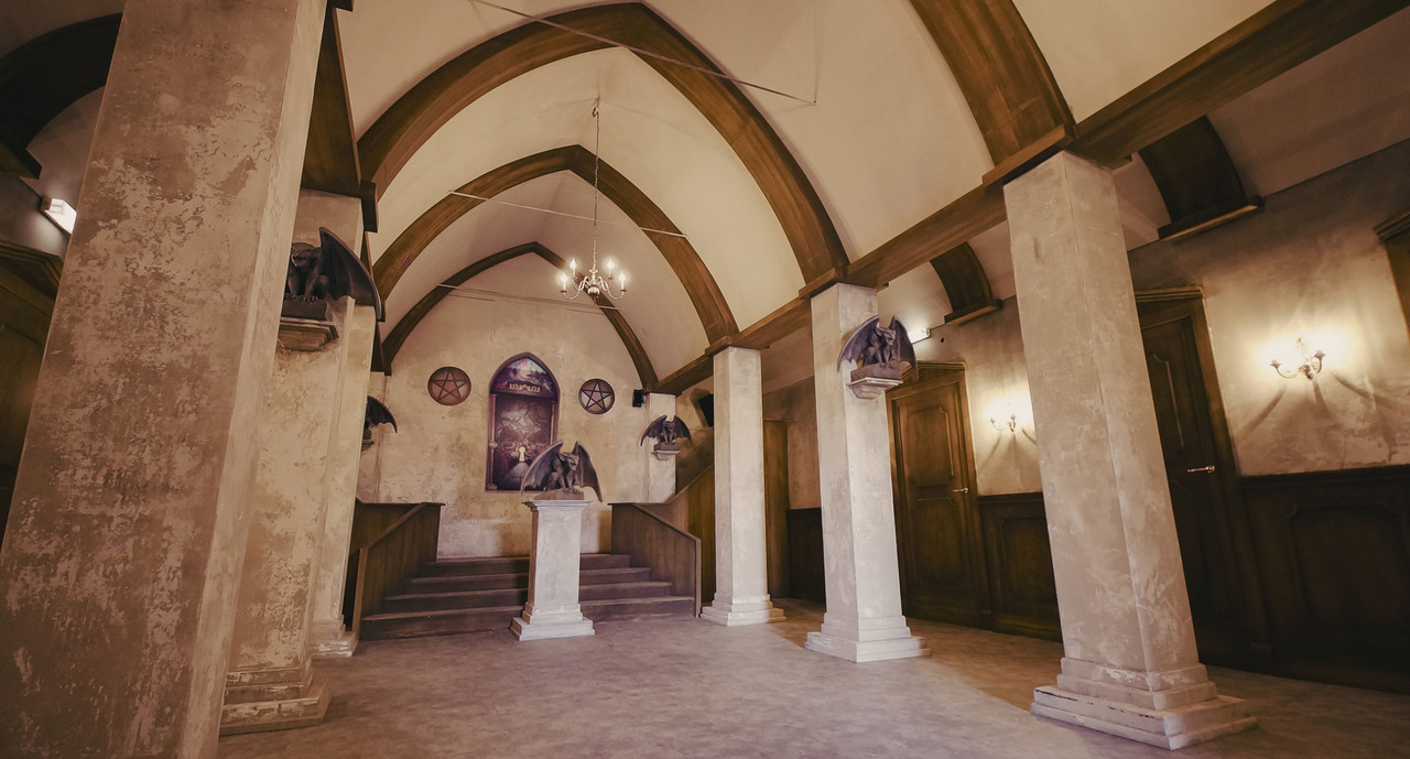The entrance hall of the Mansion haunted house at Europa Park
