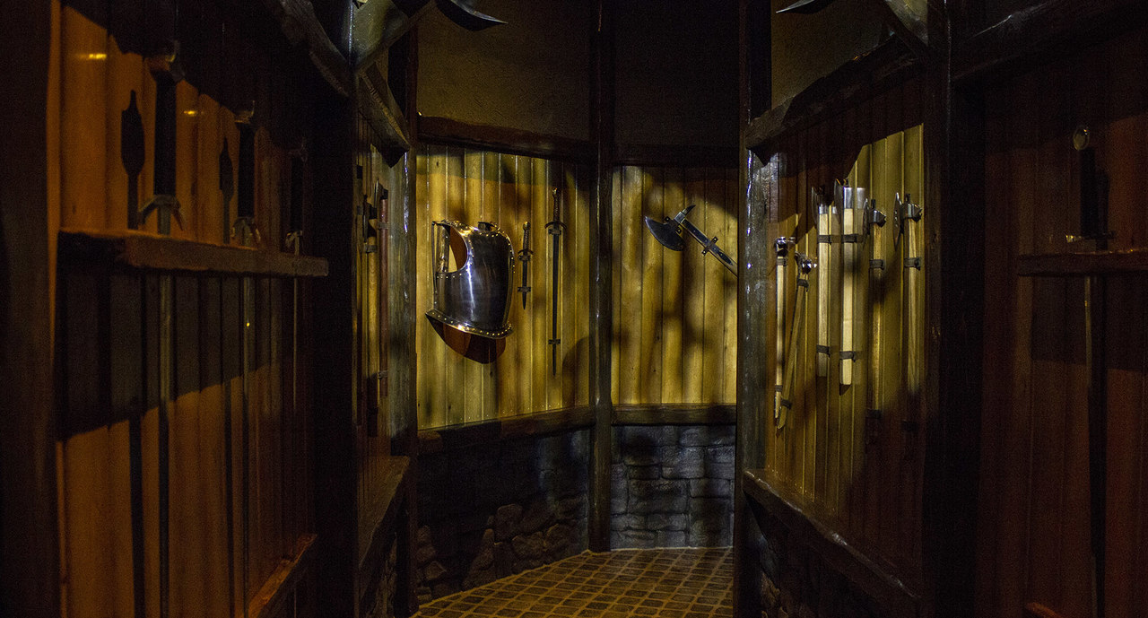 The themed hallway at Excalibur attraction in Movie Park Germany