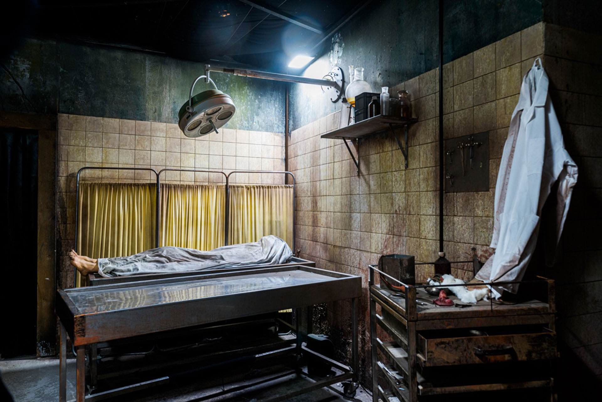 Operation room of the Fallen Haunted House at Europa-park Traumatica