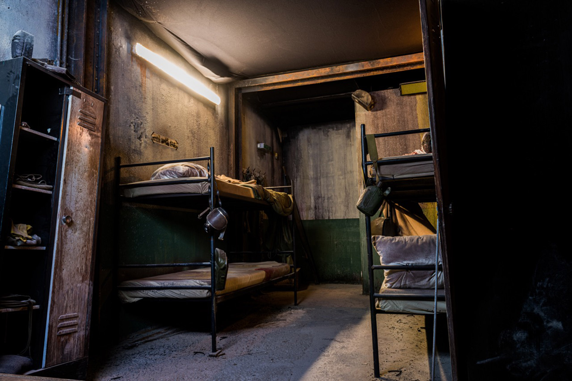 Bunkbeds of the Resistance Haunted House at Traumatica Europa-Park