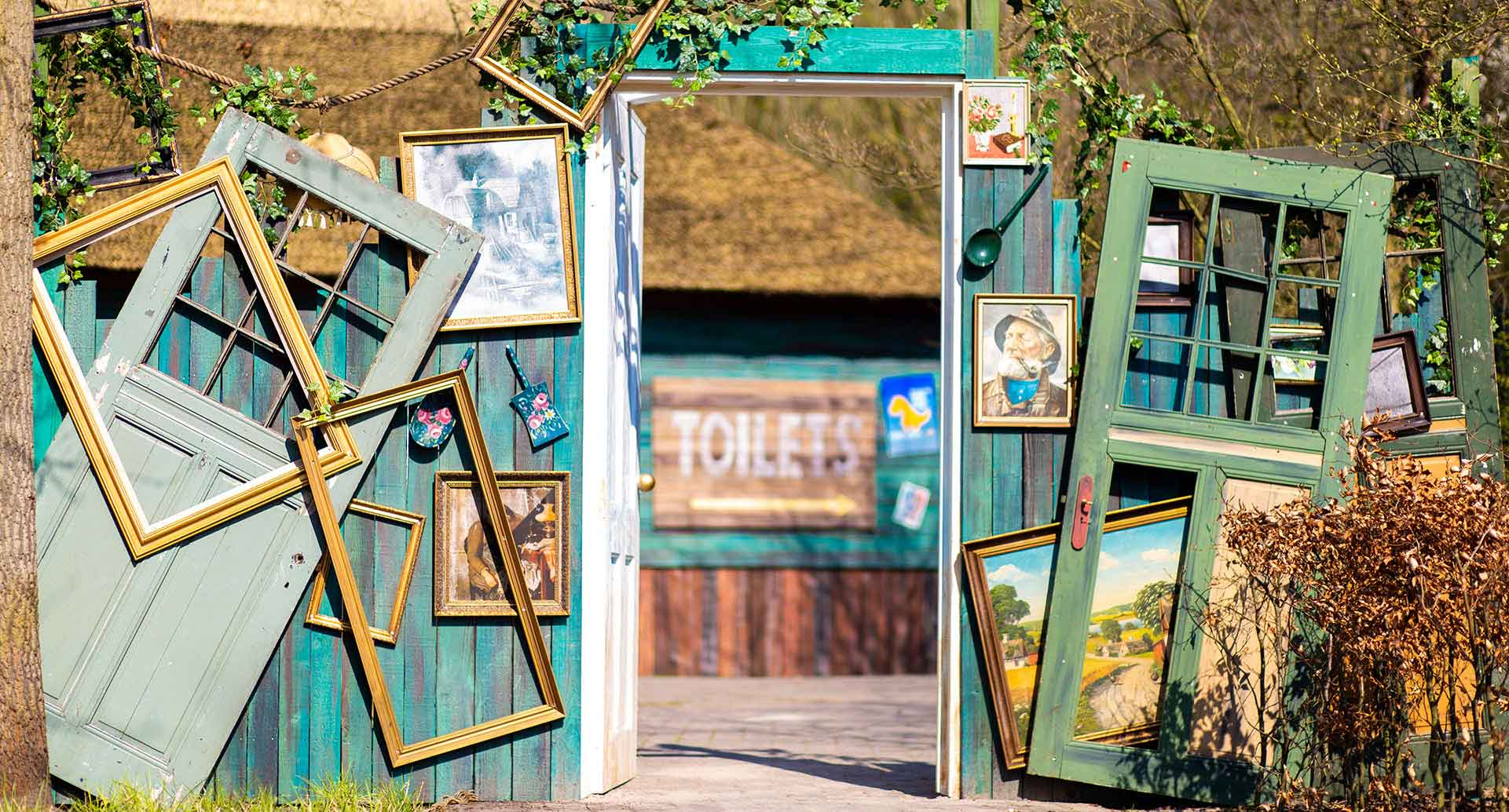 Photo of doorpost at the new Wilderness area at Walibi Holland