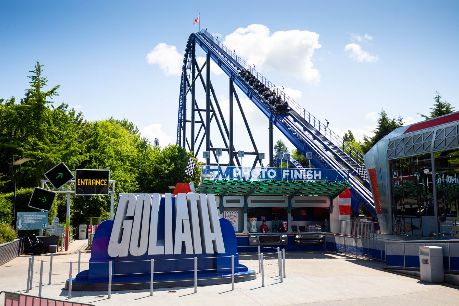 The entrance square of Goliath at Walibi Holland